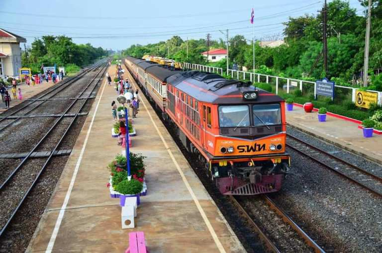 Bangkok resumes train services under second phase of easing restrictions